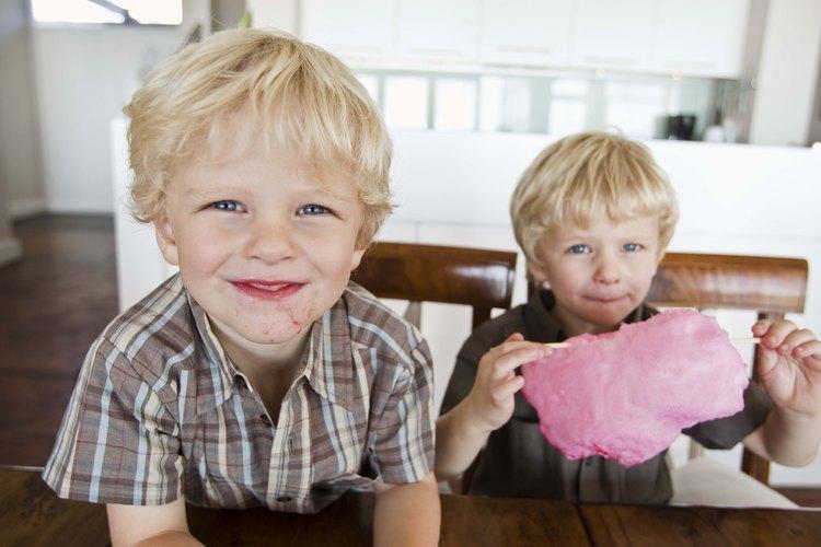 Aprende a fabricar delicioso algodón de azúcar para que tus hijos disfruten.