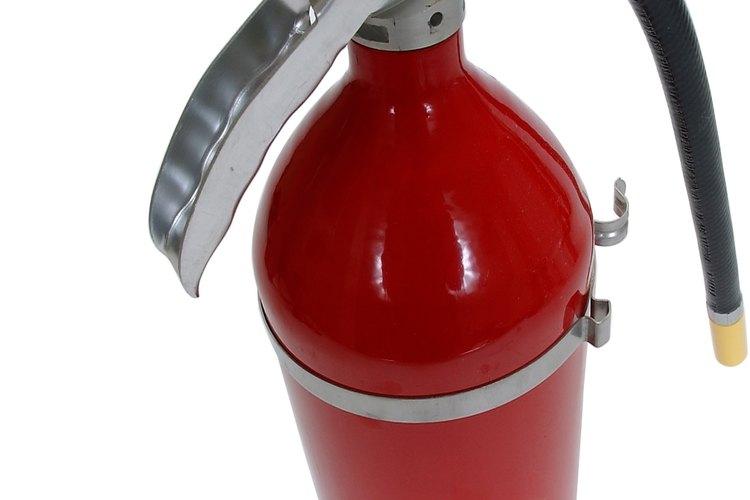 Un extintor de grado A funciona mejor en una oficina normal.