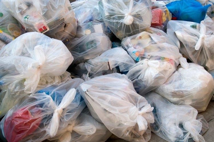Cada casa produce varios tipos de desechos sólidos.