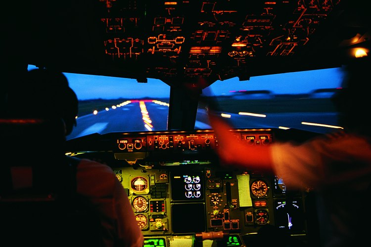 Pilotos en la cabina.