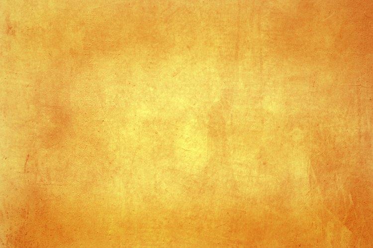 Se dice que el color naranja o tawny ha sido agregado por los últimos eruditos, pero hoy en día se lo asocia con la ambición.