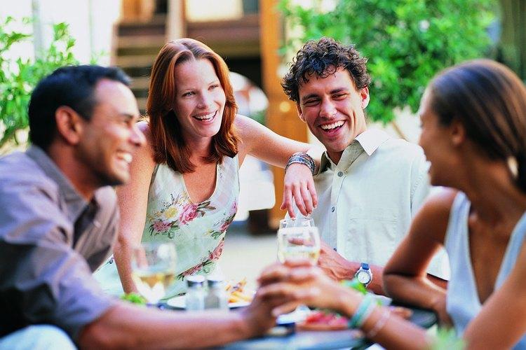 Unirse a un grupo de personas con intereses similares puede dar lugar a nuevas conexiones.