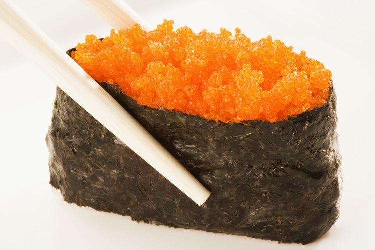 El tobiko es una de las variedades más populares de hueva de pescado.