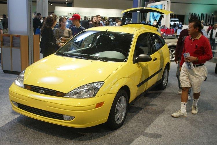 El Ford Escort ZX2 2000 fue un vehículo de dos puertas que acogería hasta cuatro pasajeros.