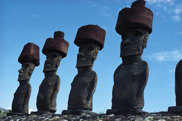 La isla de Pascua es hogar de aproximadamente 15,000 sitios arqueológicos.