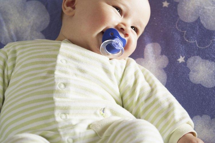 La AAP recomienda un chupete a la hora de dormir para reducir el riesgo de muerte súbita.