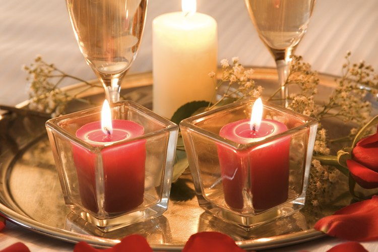 La champaña se hace en la región de Champagne, Francia.