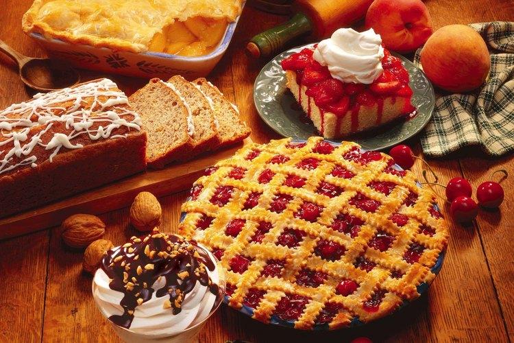 Cómo hacer un pastel con fruta congelada.