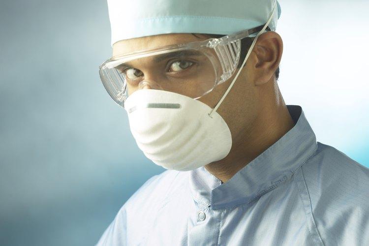 Ponte gafas de protección, una mascarilla y guantes.