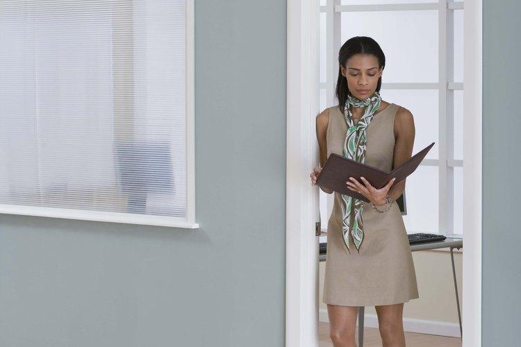Un pañuelo es un accesorio que no debe faltar en tu guardarropas.