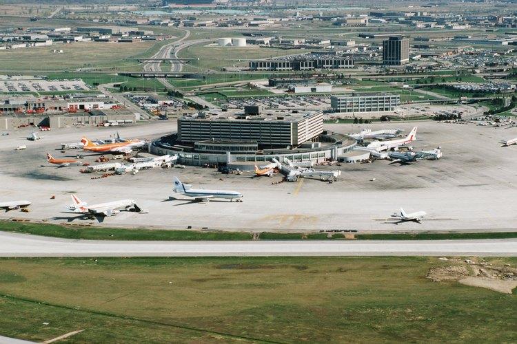 Antes de hacer la reserva revisa las reglas y políticas de cada aerolínea con respecto a menores sin acompañante.