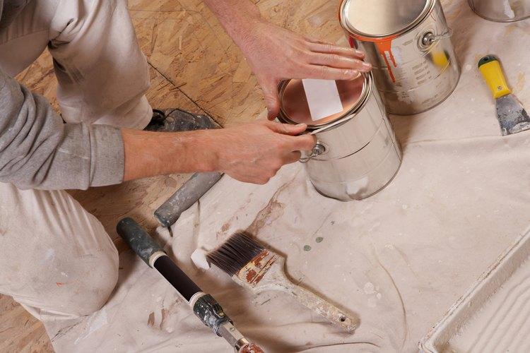 Hay muchos tipos de pintura que pueden ser utilizados en el baño.