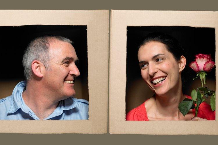Los regalos del décimo aniversario celebran su primer década como pareja.