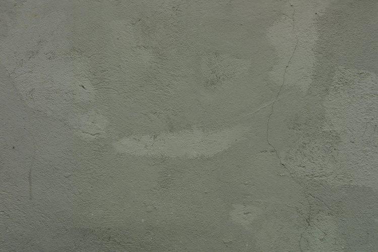 Las macetas de cemento soportan las inclemencias del tiempo.
