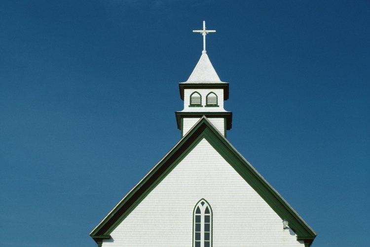 Las Iglesias proporcionan a los jóvenes las bases para una vida moral y recta.