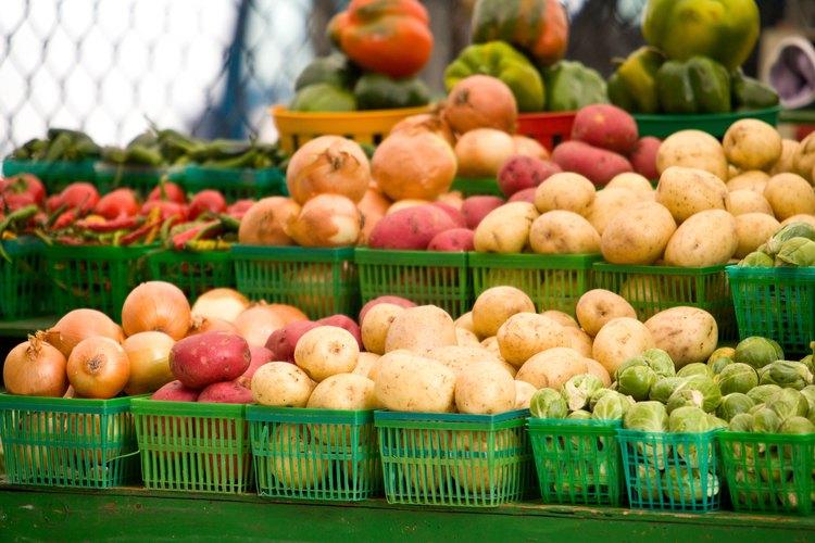Los mercados locales están llenos de productos que funcionarán bien en una lista de búsqueda de tesoros.