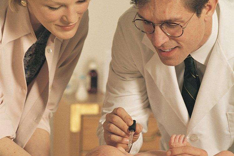 Según la American Academy of Pediatrics, la primera visita de tu hijo tenga con el pediatra será en el hospital.