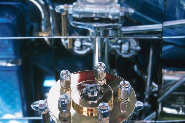 En Arizona, los mecánicos de automóviles ganaron salarios anuales de US$38.010 en mayo de 2009.