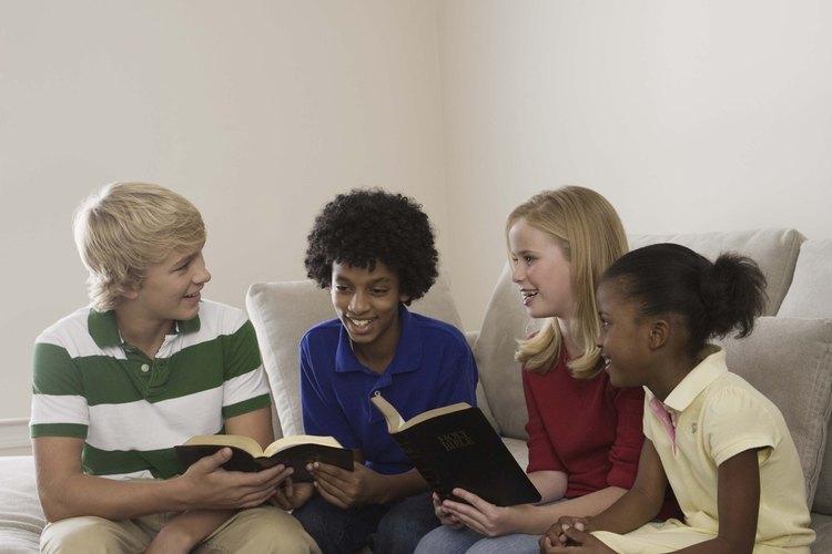 Algunos jóvenes pueden ser lo suficientemente grandes para ir a un retiro religioso.