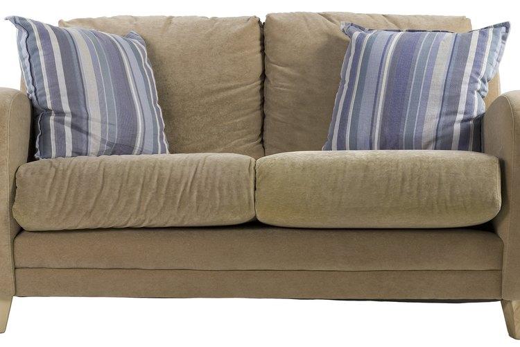Remodela tu sofá para que combine con la habitación.