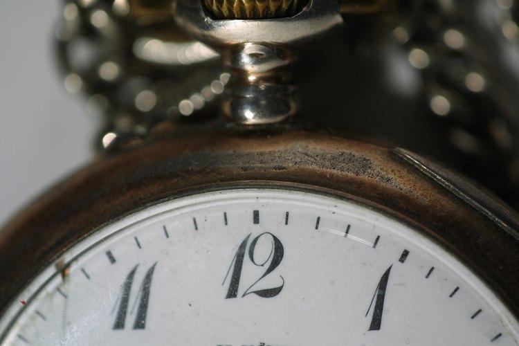 El mal funcionamiento de un reloj de bolsillo es usualmente causado por un error de posición.