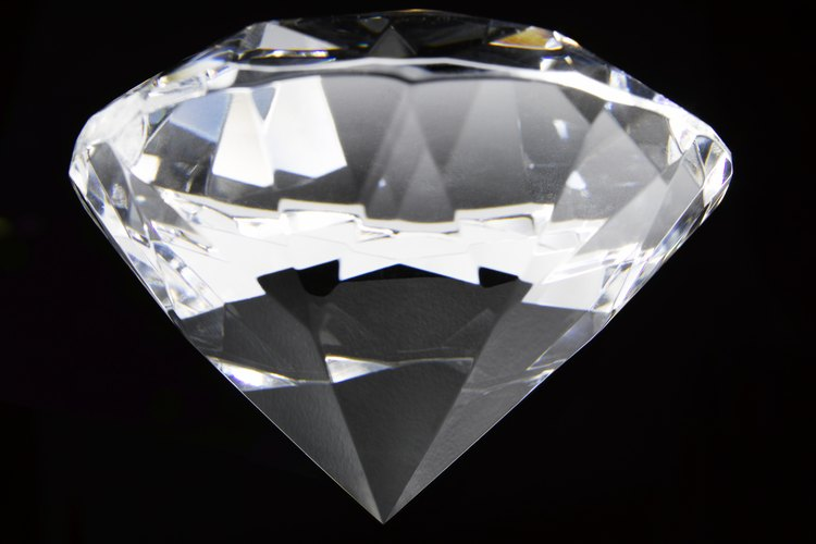 Ponte diamantes o perlas si buscas una apariencia sofisticada.