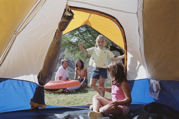 Algunos campamentos cercanos a Newton, Hamilton, tienen espacios junto al agua.