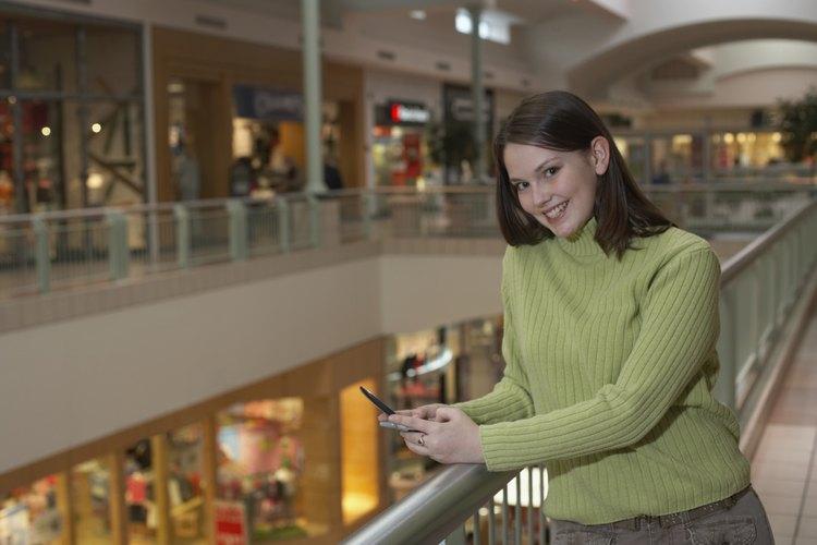 Muchos estados tienen una ley sobre la edad mínima  que debe tener un menor para ir solo a un centro comercial.