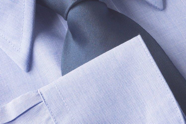 Las camisas hechas a mano son de mejor calidad.