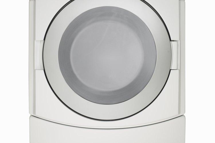 Cómo secar las zapatillas de tenis en la secadora.