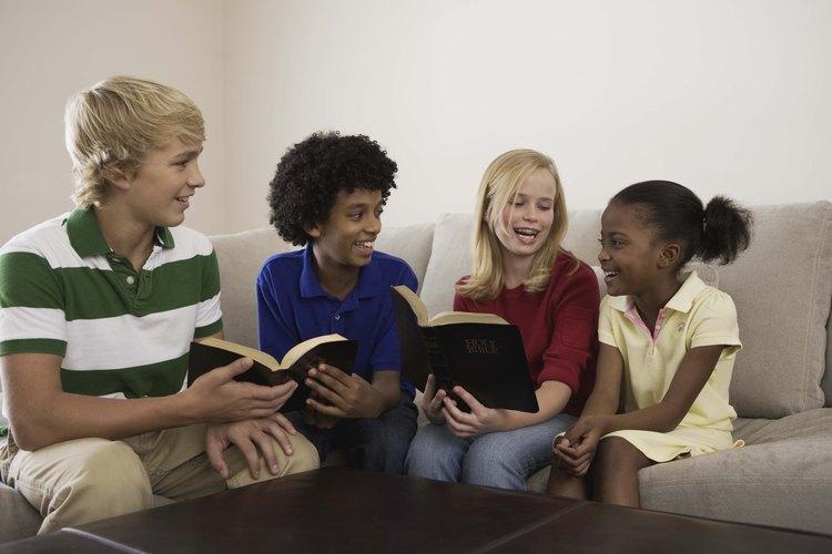 La Biblia tiene varios salmos introductorios que pueden ayudar a los niños.