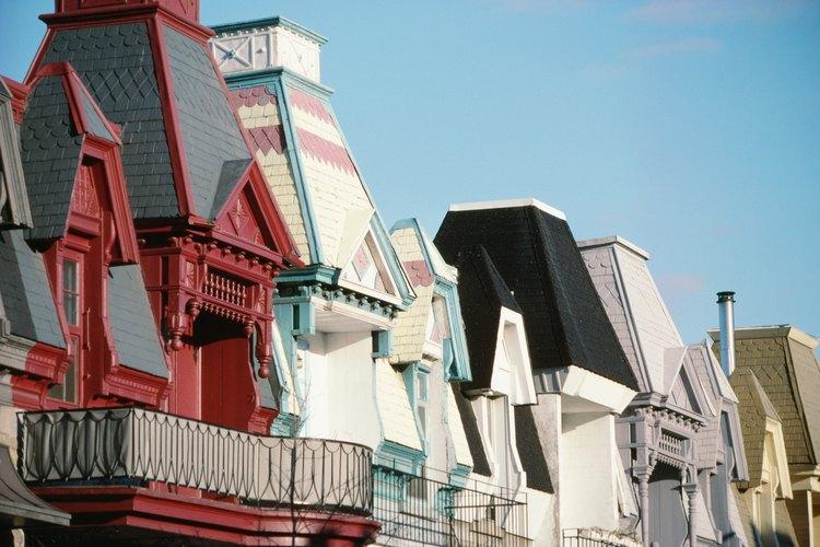 Casas victorianas de madera policromada.