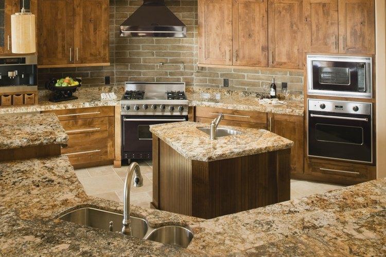 C mo limpiar con seguridad los gabinetes de madera de la cocina - Limpiar muebles de cocina de madera ...