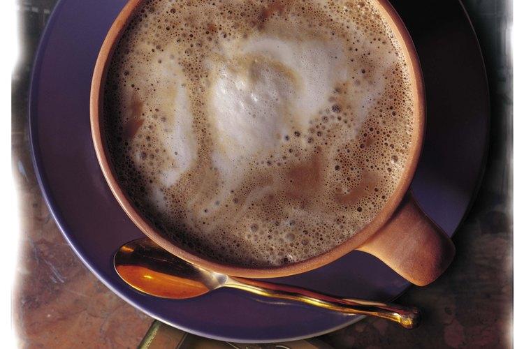 Prepara tu propio café con leche.