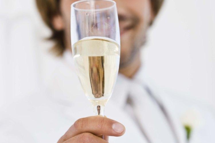 Guarda la champaña sin usar con unas sencillas técnicas.