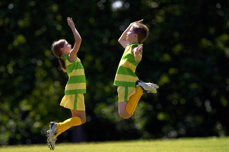 Los deportes son divertidos y contruyen confianza en los niños.