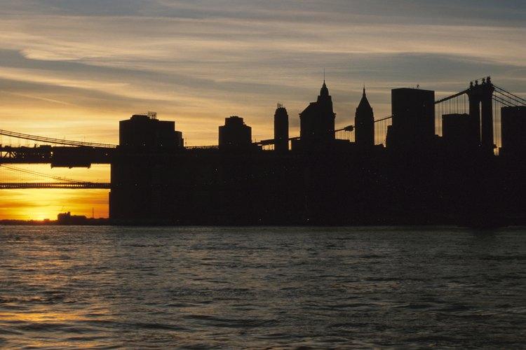 Astoria se encuentra cruzando el East River desde Manhattan.
