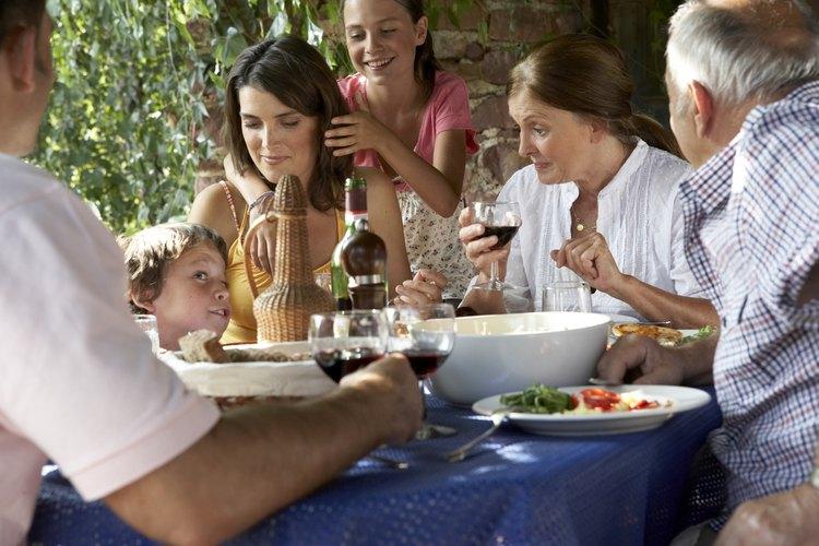 Desglosado, el residente promedio de Illinois gasta alrededor de US$259 por mes saliendo a cenar.