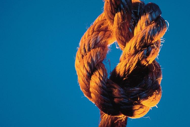 El extremo por el que fue tirado se volverá el lazo del lazo.
