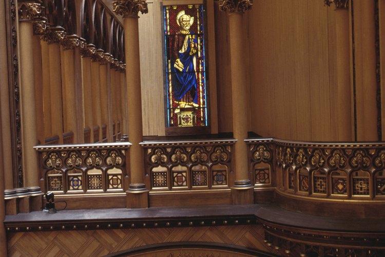 Los estandartes le traen un color y decoración adicionales a lo santuarios.