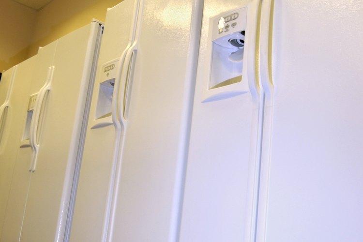 Muchos modelos de refrigeradores Whirlpool están diseñados para descongelarse automáticamente.