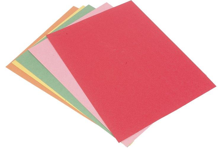 Imprime el molde en la cartulina.
