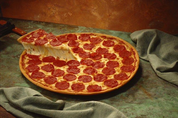 Llama la atención de tu hijo con una pizza de pepperoni.