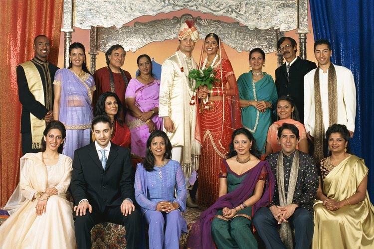 Las costumbres que rodean las bodas varían entre las diferentes culturas.