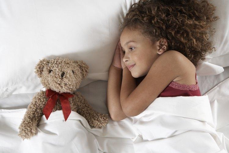 Algunos niños tienen problemas para dormir durante toda la noche.