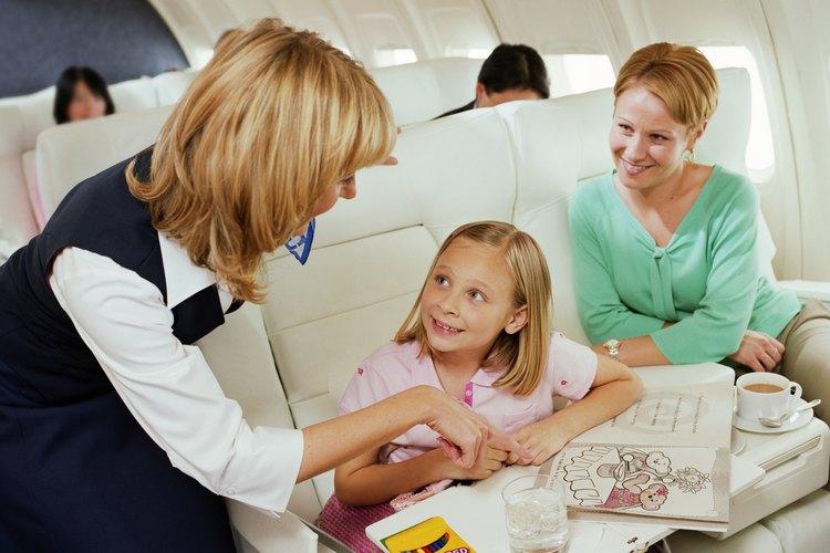 Nunca dejes que tu hijo se aburra en el avión.