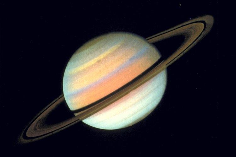 Ayuda a tu hijo a que aprenda sobre Saturno a través de una actividad de