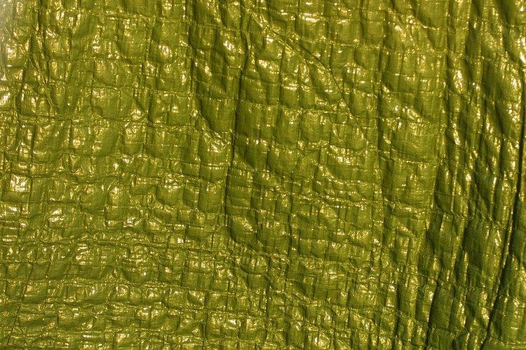 El cuero sintético es una mezcla de cuero y vinilo.