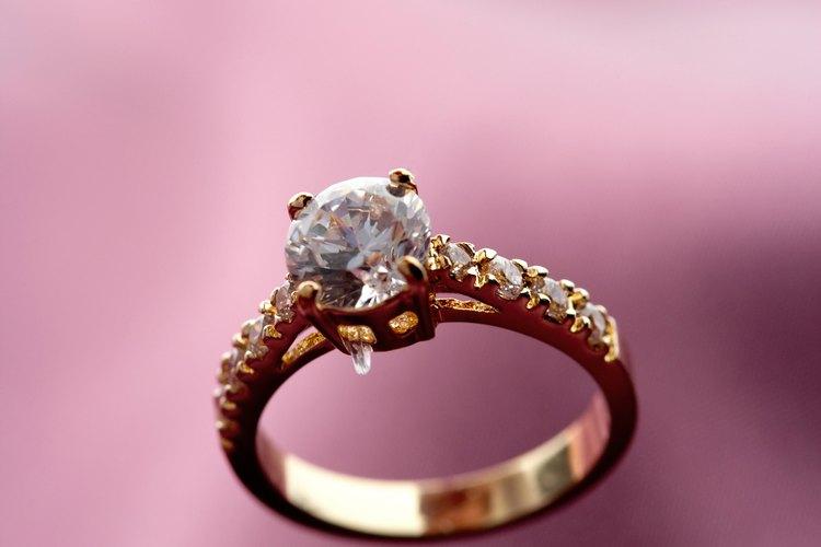 El diamante es un alótropo del carbono.