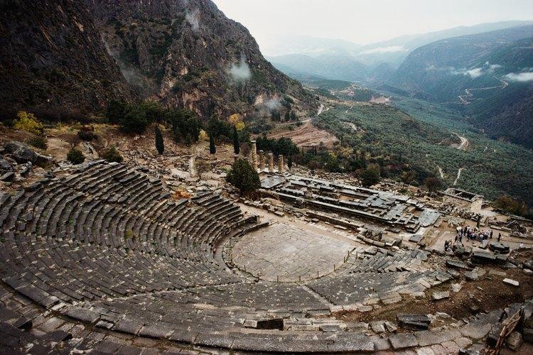 Los anfiteatros griegos fueron los precursores de los anfiteatros modernos como el Hollywood Bowl.